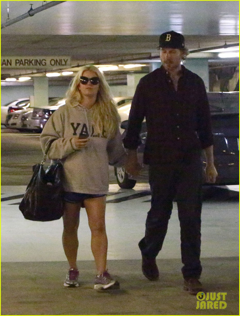 jessica simpson eric johnson hold hands in beverly hills 072754284