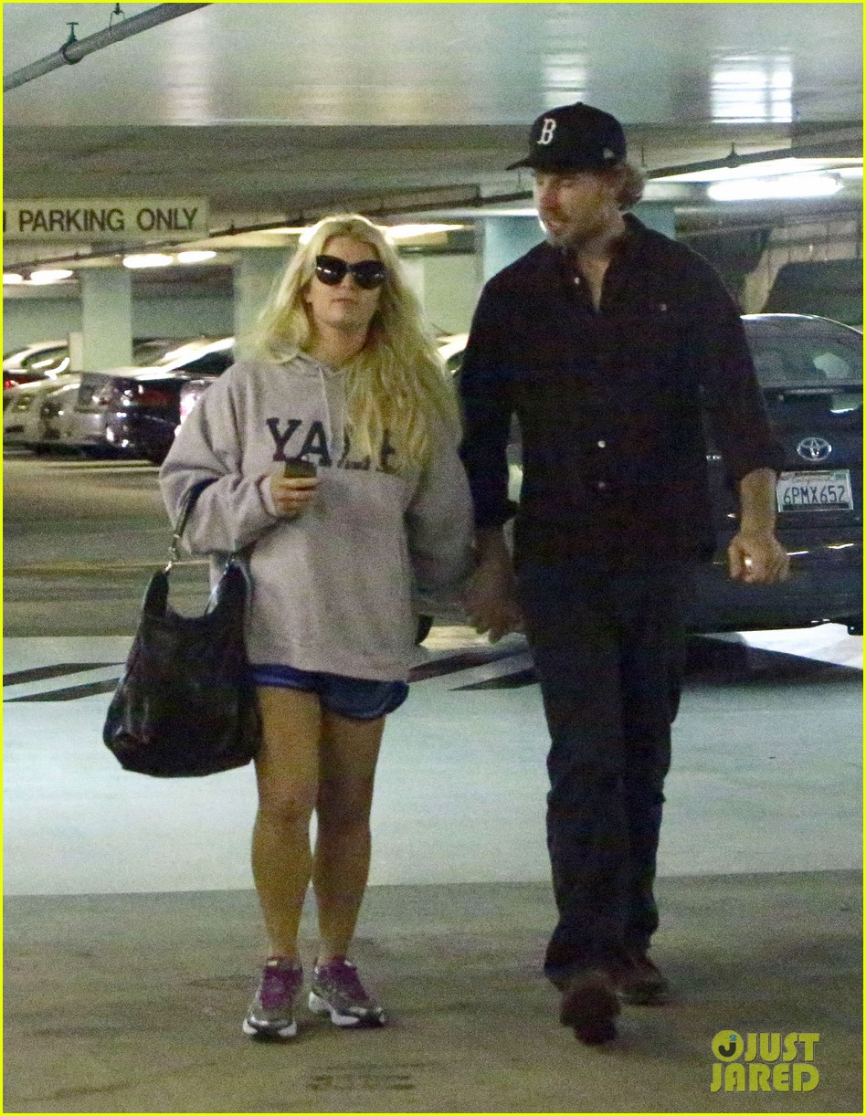jessica simpson eric johnson hold hands in beverly hills 08