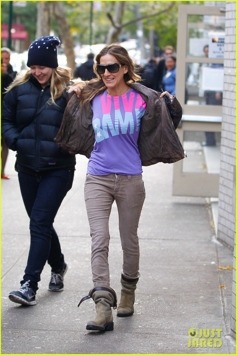 sarah jessica parker viva obama shirt on election day 09