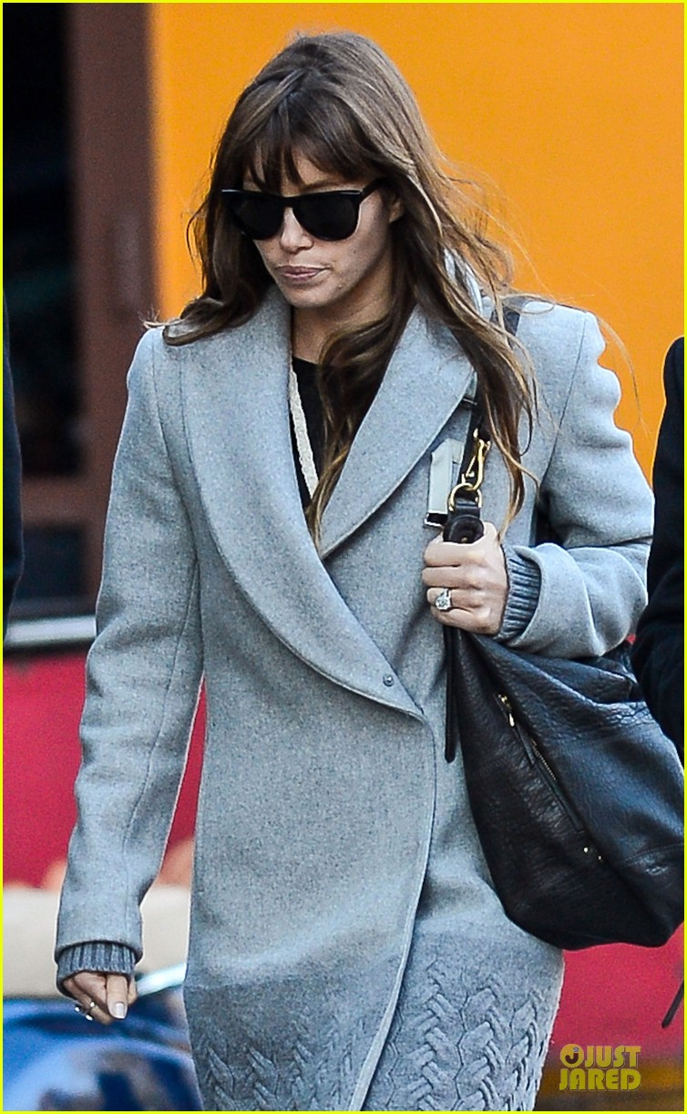 jessica biel post honeymoon smile in new york city 022754370