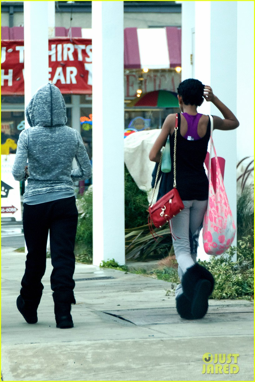 willow smith yoga class cutie 14