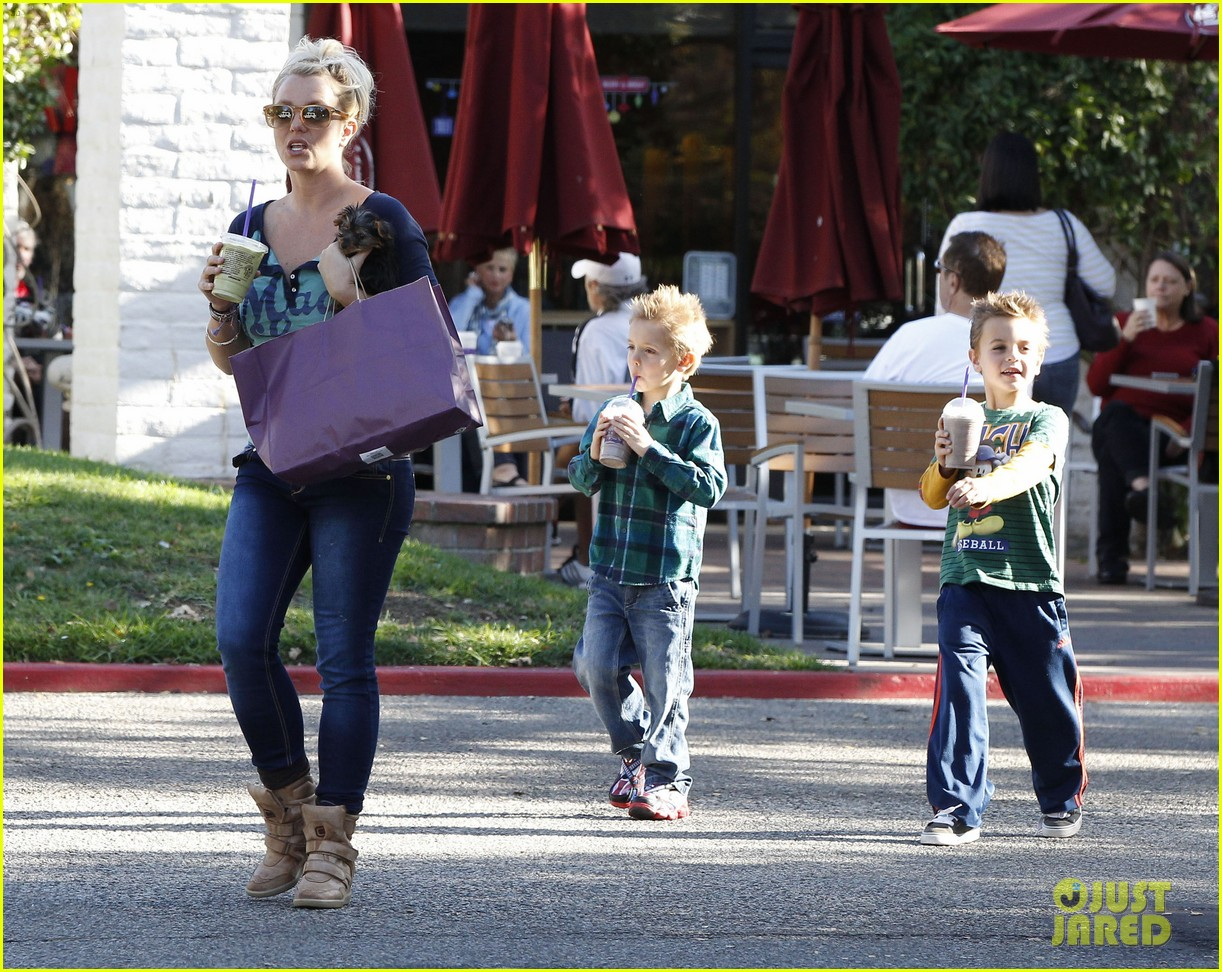 britney spears coffee bean with sean preston jayden james 11
