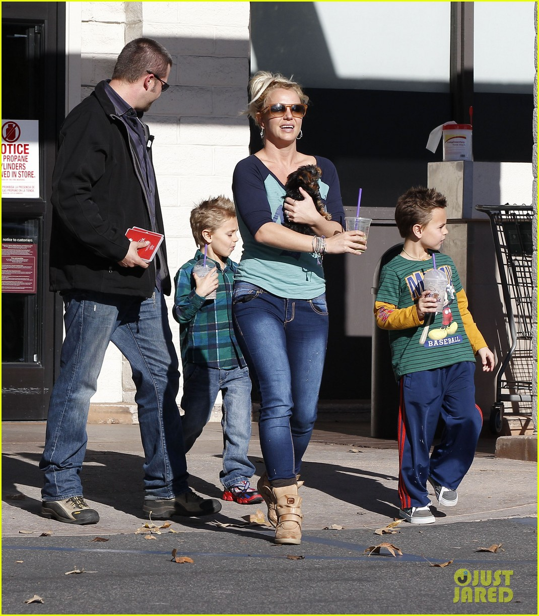 britney spears coffee bean with sean preston jayden james 122760646
