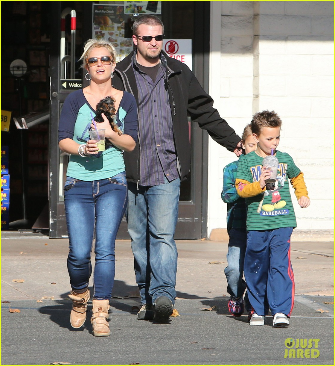 britney spears coffee bean with sean preston jayden james 242760658