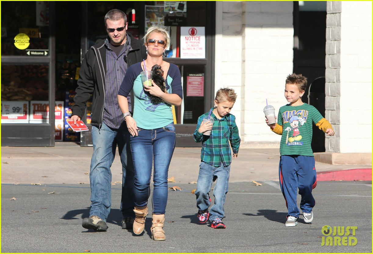 britney spears coffee bean with sean preston jayden james 26