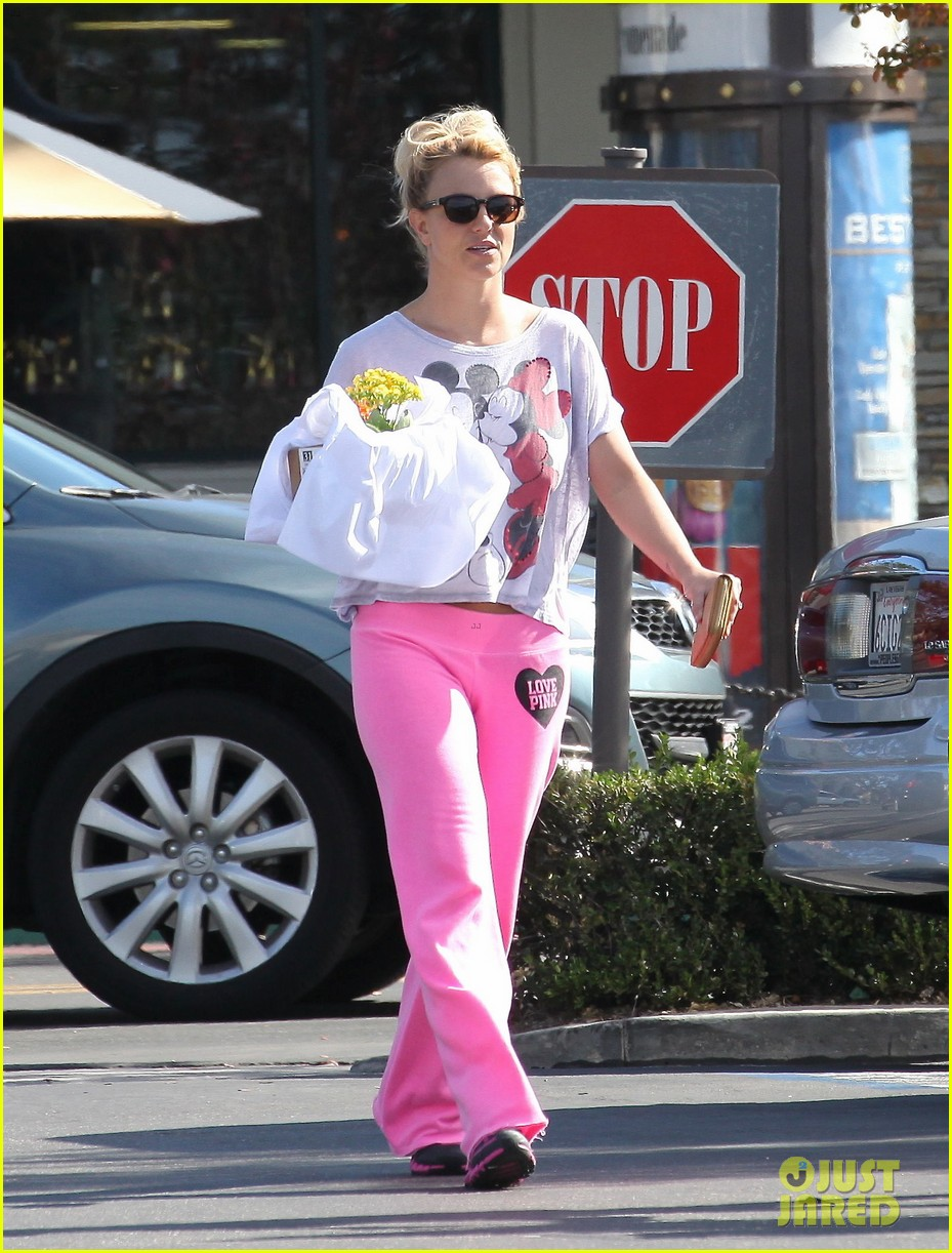 britney spears fast food flower shopping 01