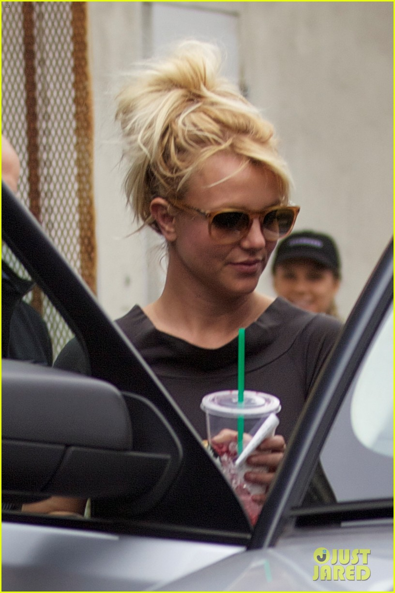 britney spears pre x factor starbucks stop 032758357