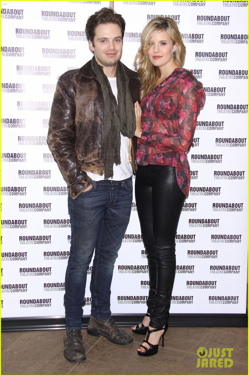 sebastian stan maggie grace picnic photo call 01