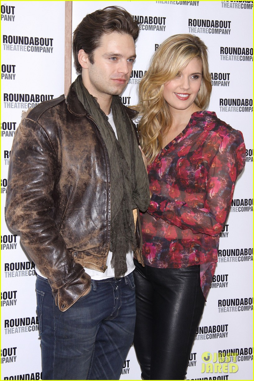 sebastian stan maggie grace picnic photo call 02