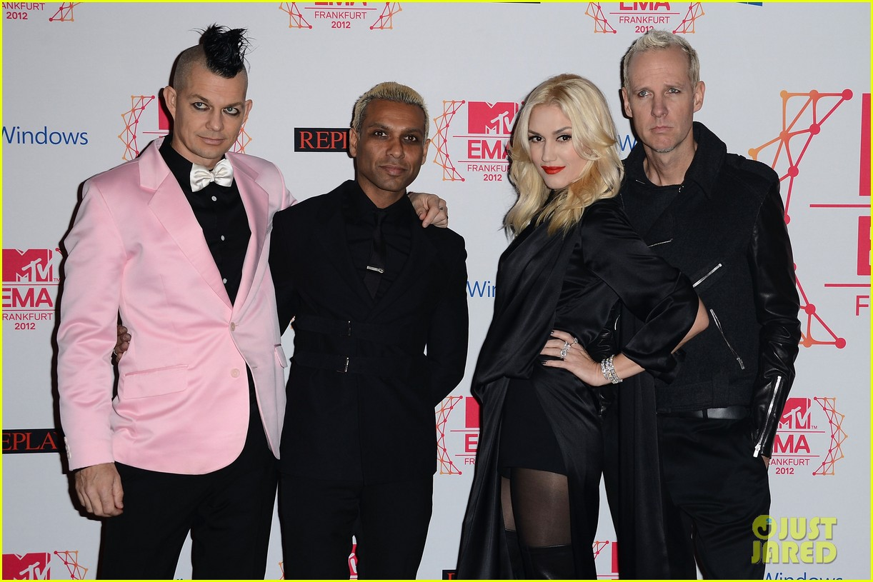 gwen stefani no doubt mtv emas 2012 red carpet 062755380