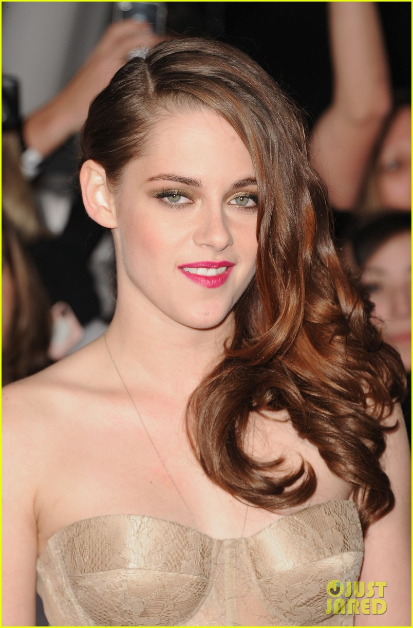 kristen stewart robert pattinson twilight breaking dawn part 2 premiere 032756227