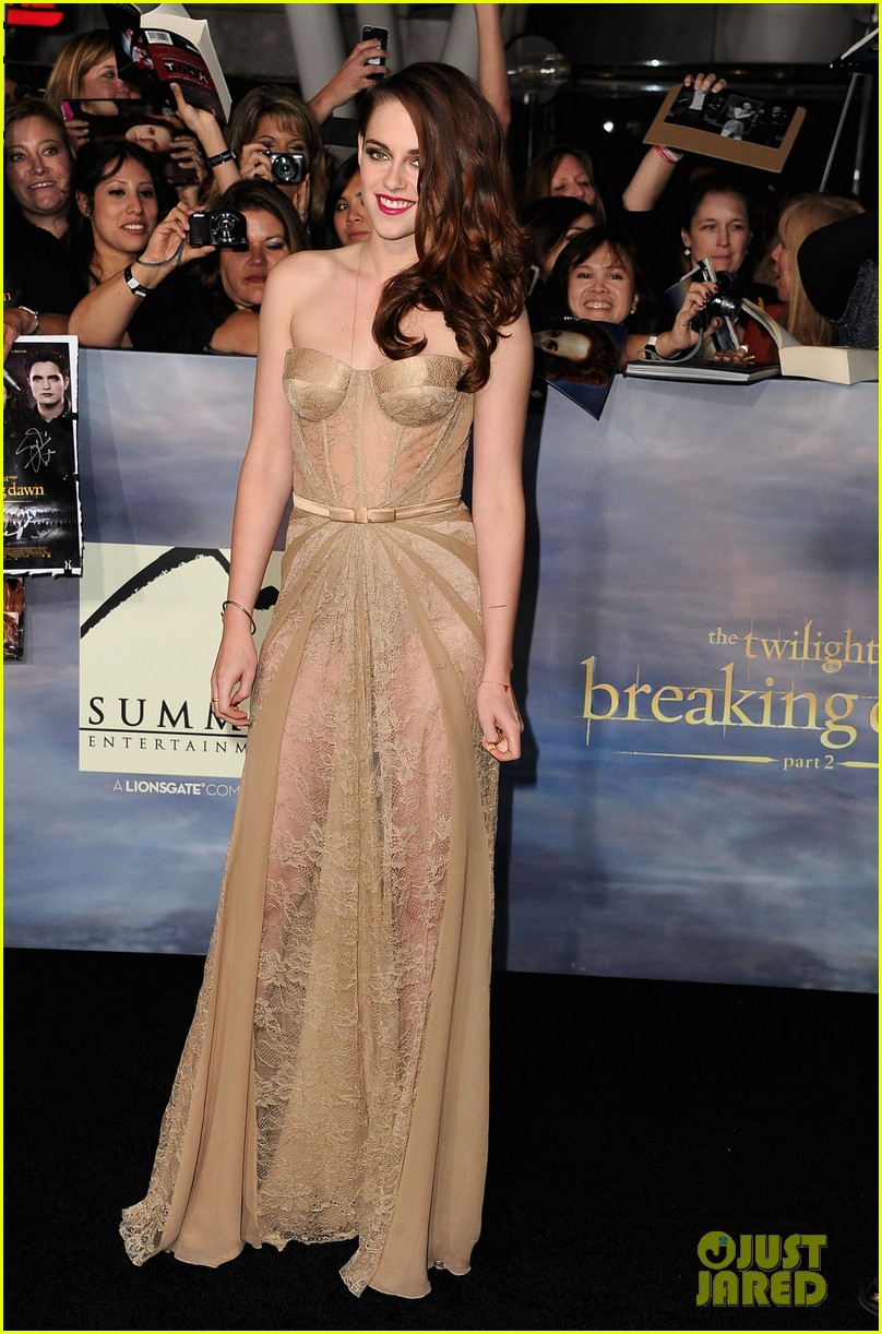 kristen stewart robert pattinson twilight breaking dawn part 2 premiere 062756230