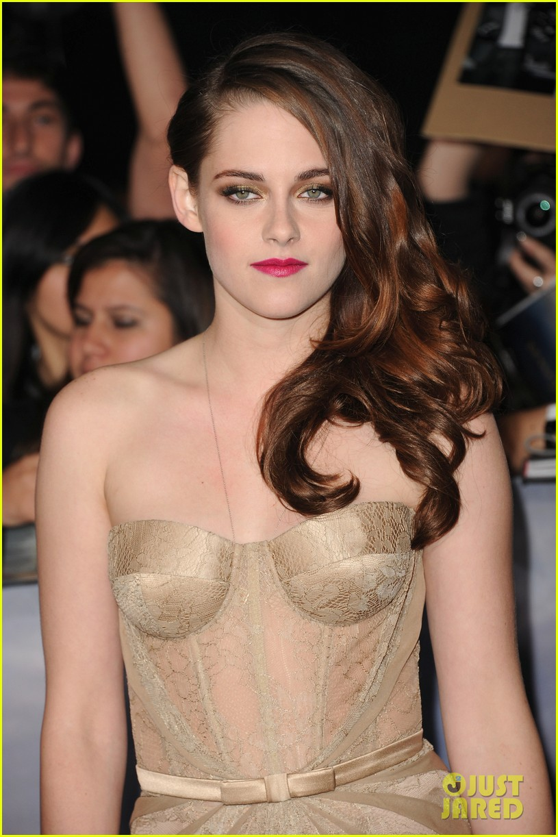 kristen stewart robert pattinson twilight breaking dawn part 2 premiere 16