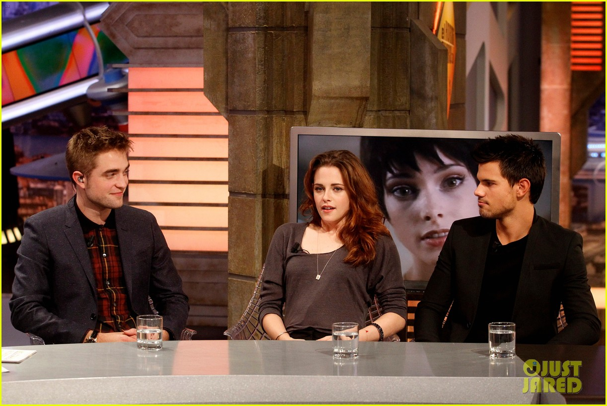kristen stewart robert pattinson el hormiguero in spain 17