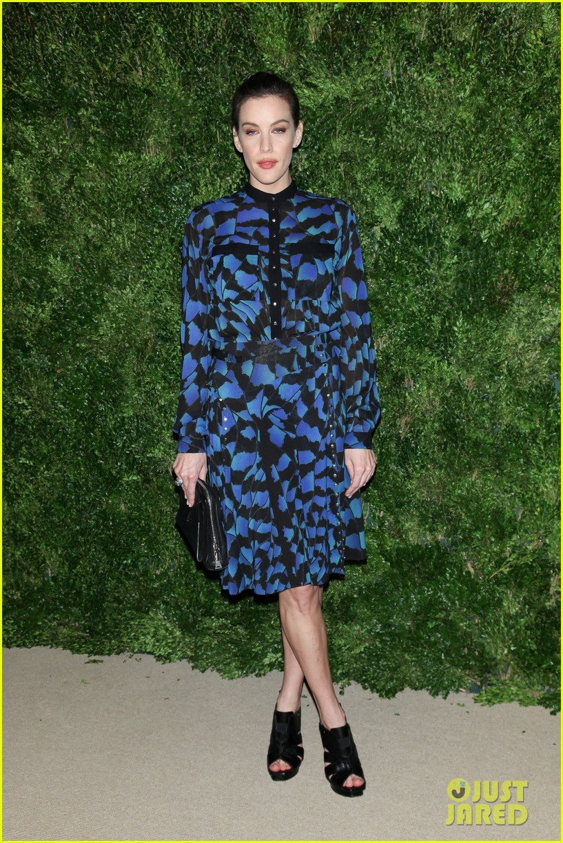 emma stone allison williams cfda vogue fashion fund awards 2012 18