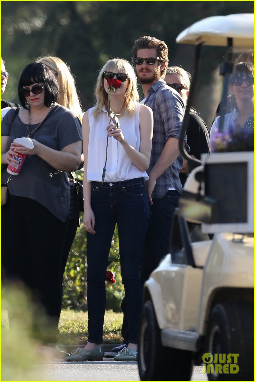 emma stone andrew garfield cemetary of the stars tour 282750702