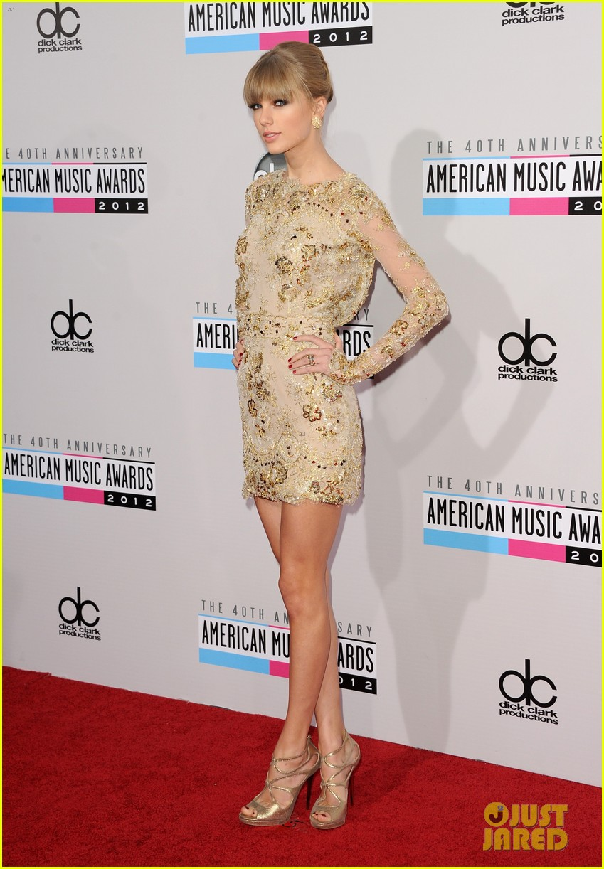 taylor swift amas 2012 red carpet 02
