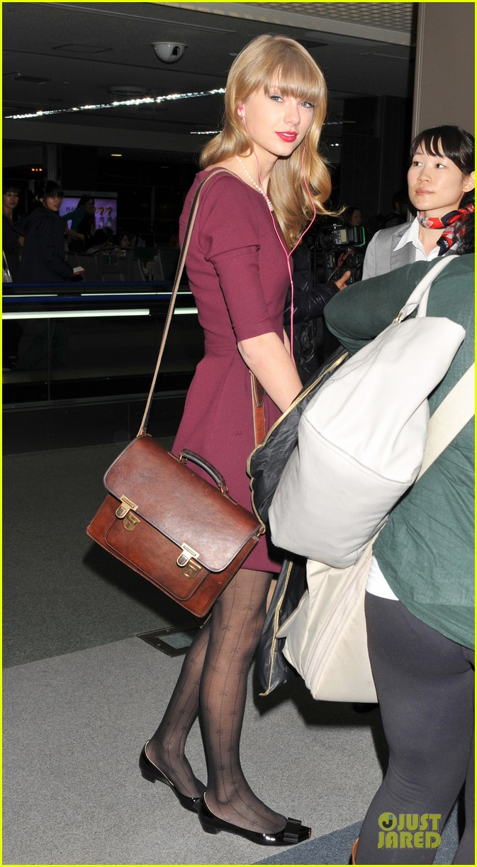 taylor swift were off to australia 05