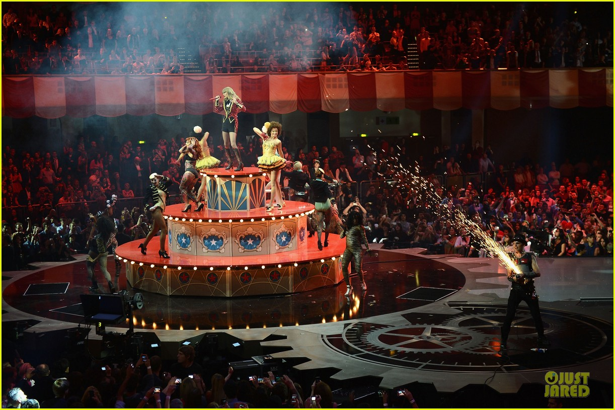 taylor swift mtv emas performance watch now 092755458
