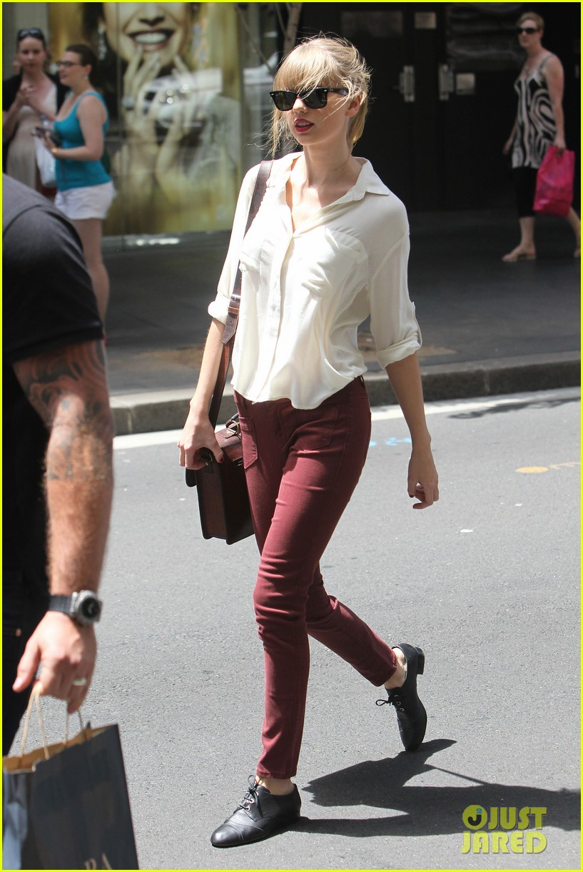 taylor swift shopping in sydney 01