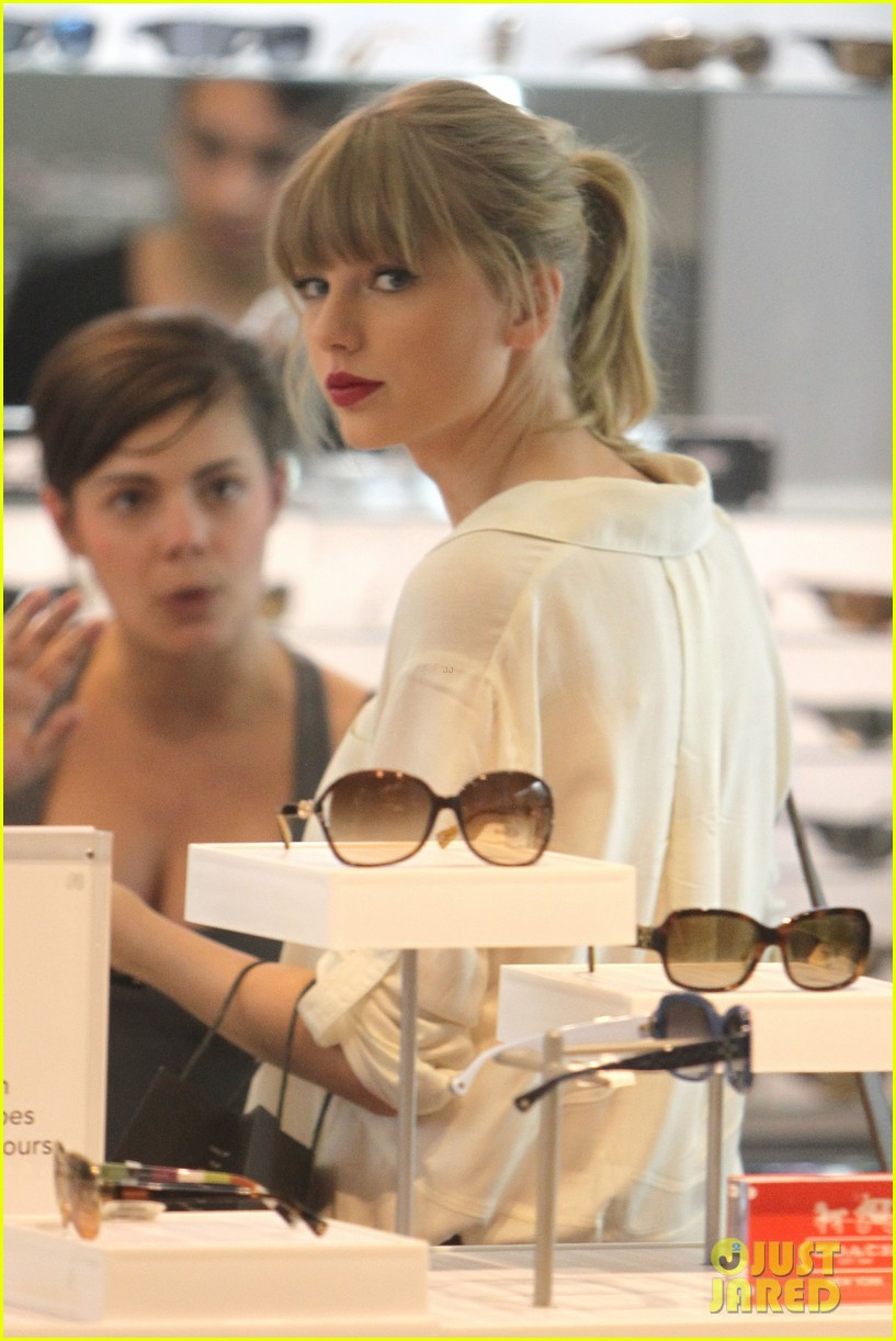 taylor swift shopping in sydney 022763579