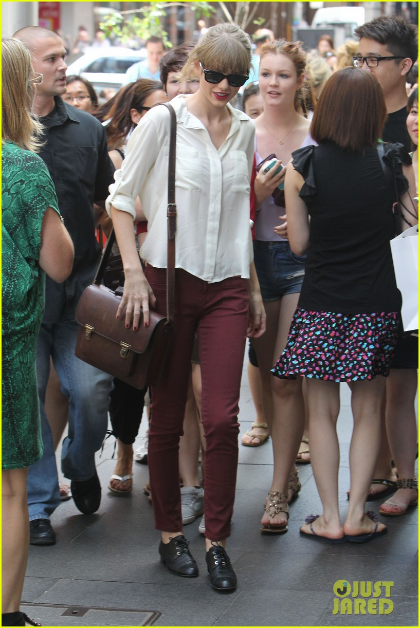taylor swift shopping in sydney 19