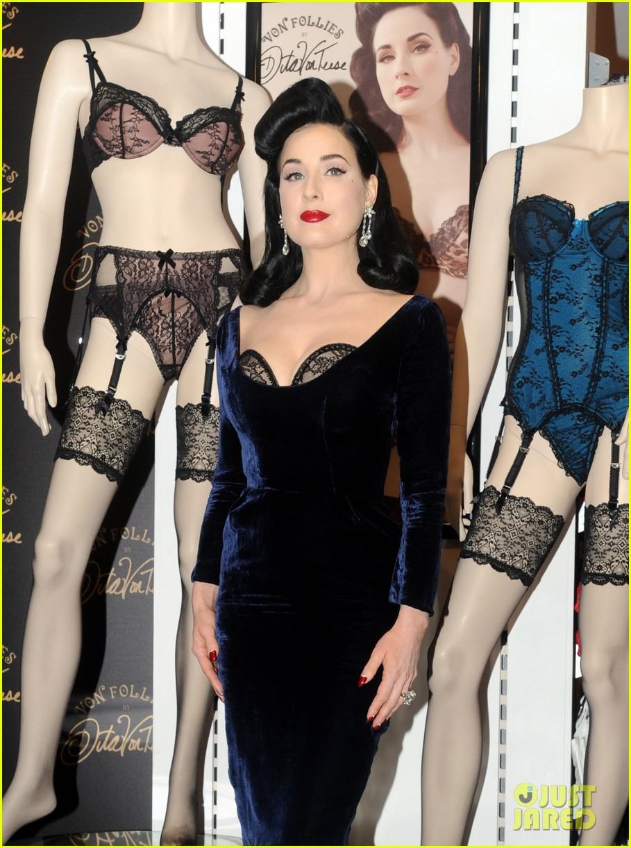 dita von teese von follies lingerie launch 05