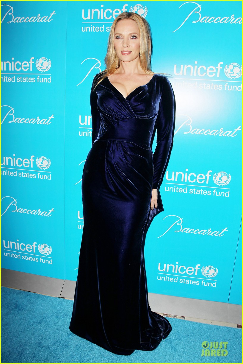 uma thurman kate mara unicef snowflake ball 012764958