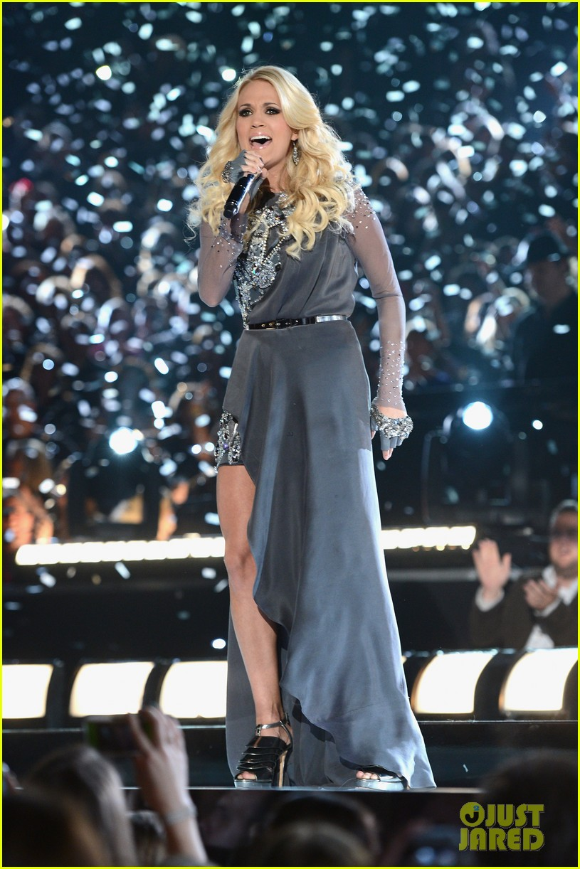 carrie underwood begin again live performance at cmas watch now 052749687