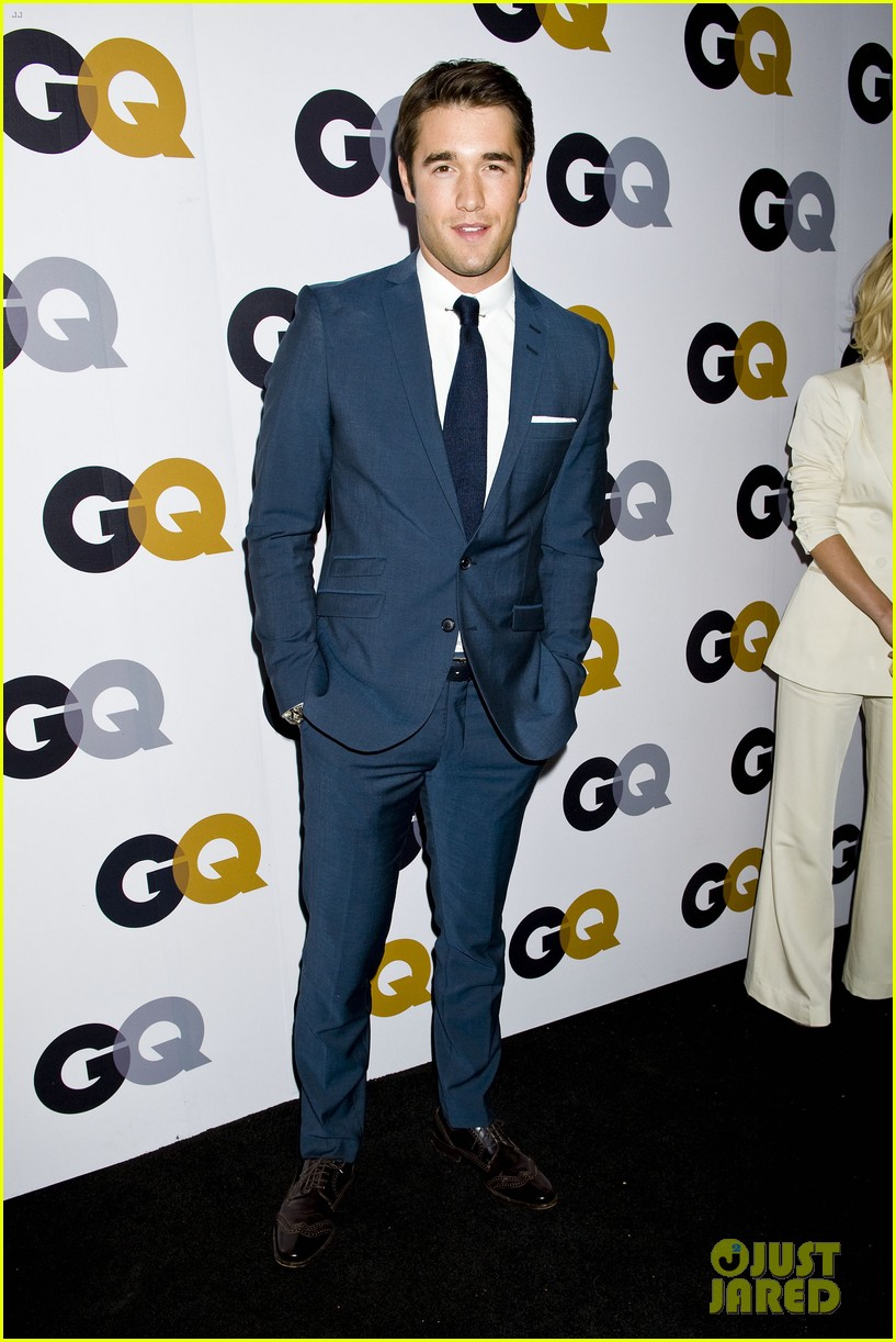 emily vancamp krysten ritter 2012 gq men of the year party 11