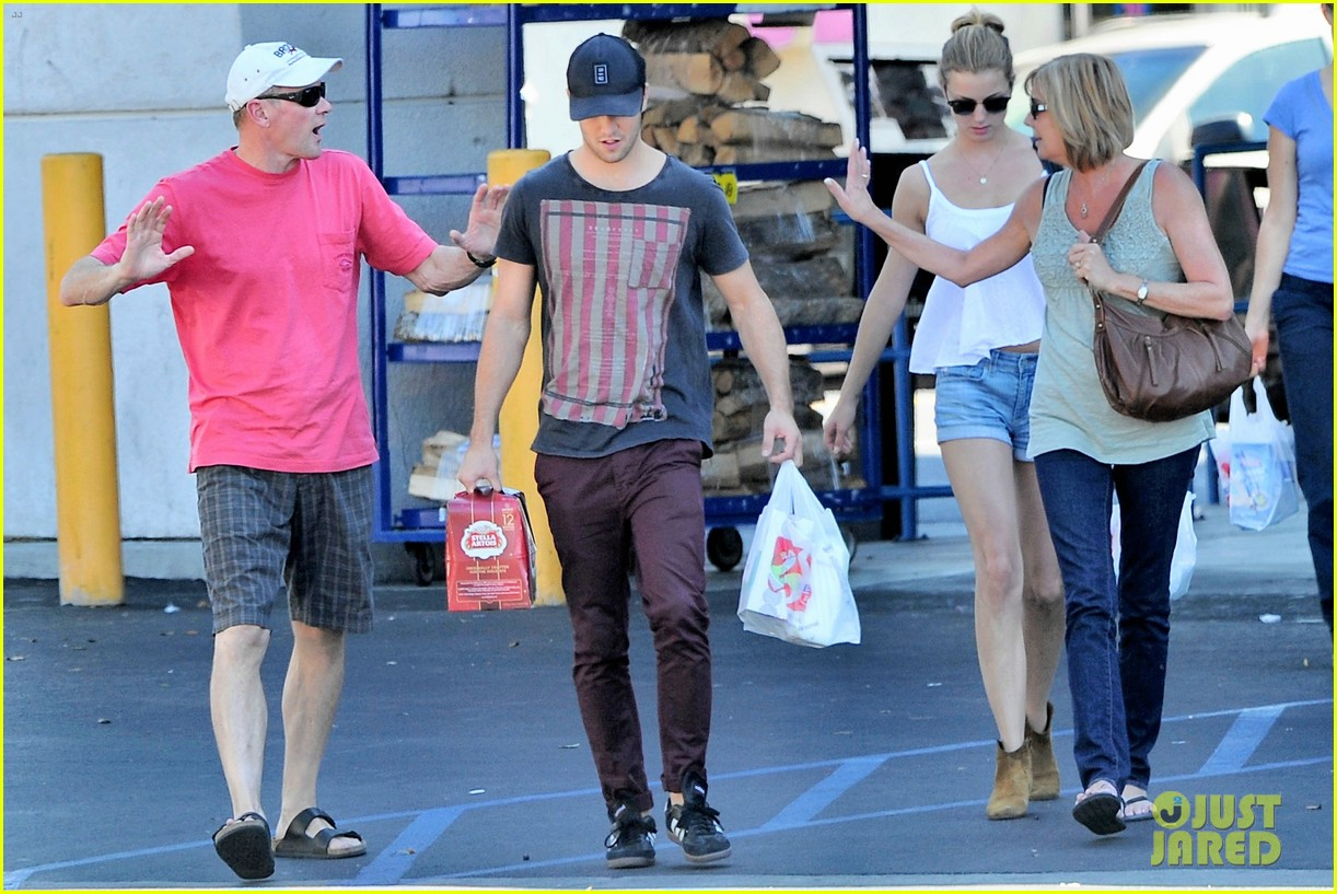 emily vancamp josh bowman los feliz family outing 04