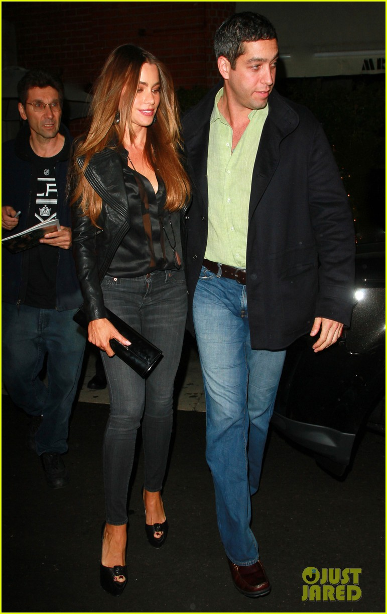 sofia vergara nick loeb chow date 02