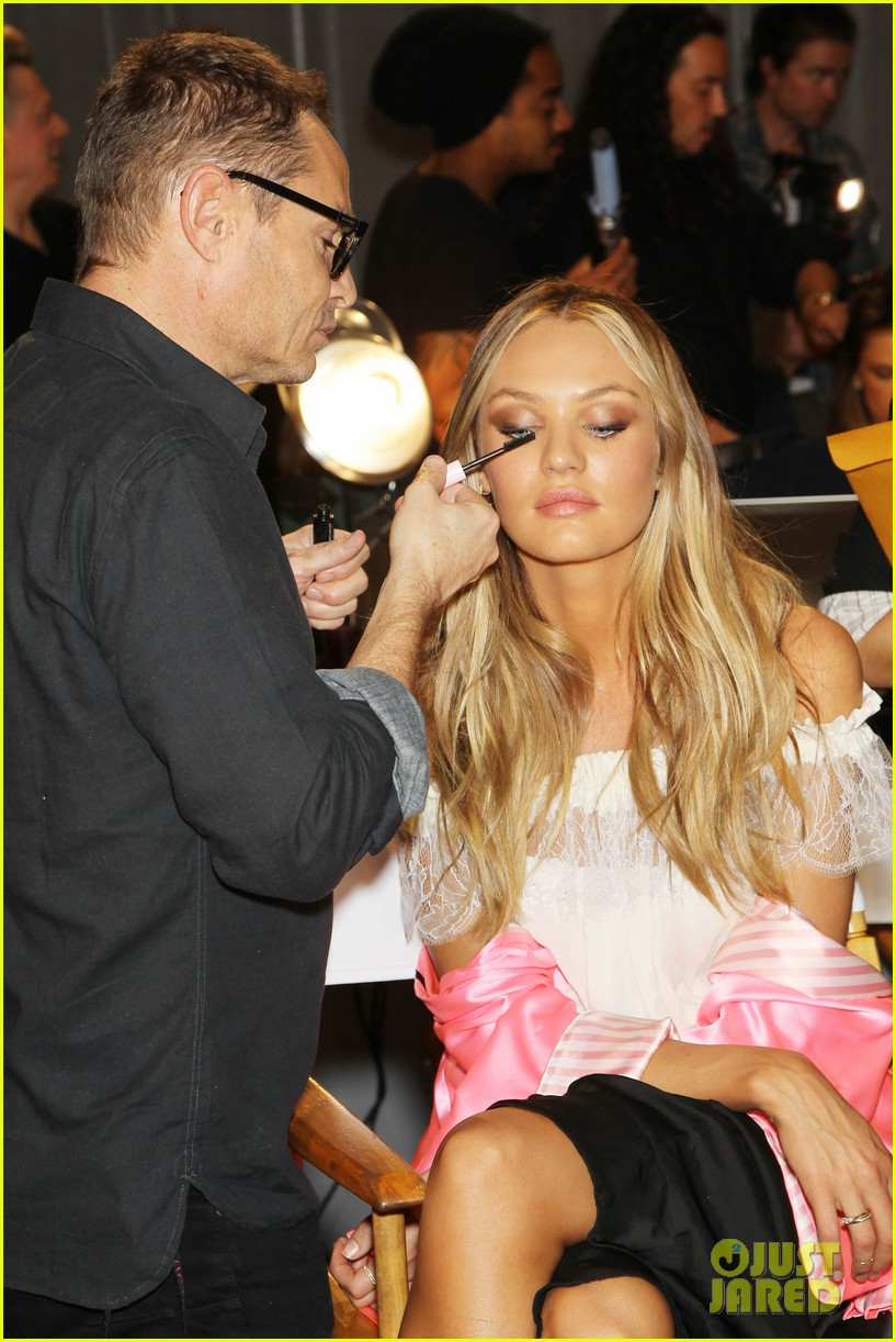 miranda kerr erin heatherton victorias secret fashion show backstage pics 41