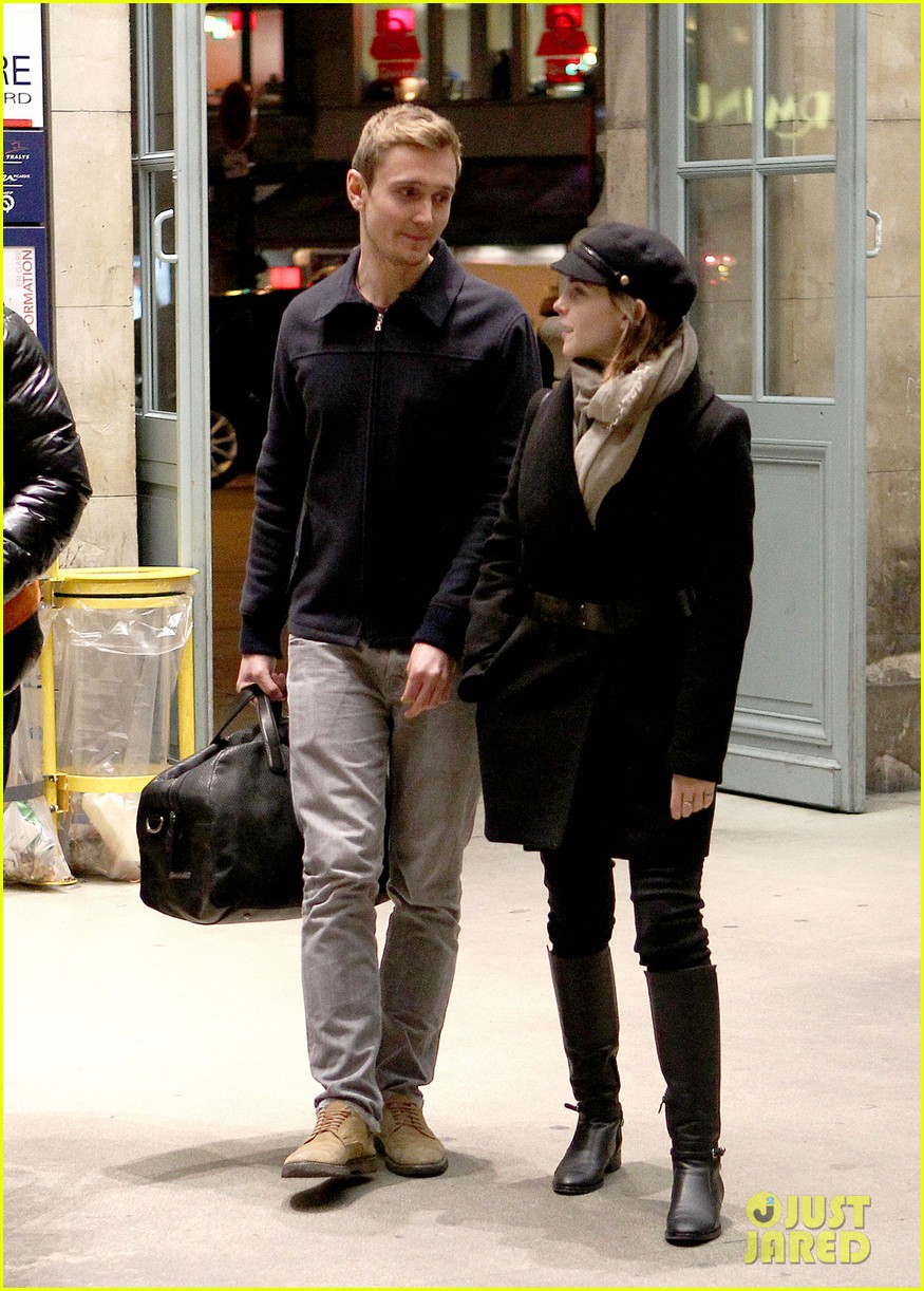 Emma Watson Bundled Up In Paris Photo 2762979 Emma