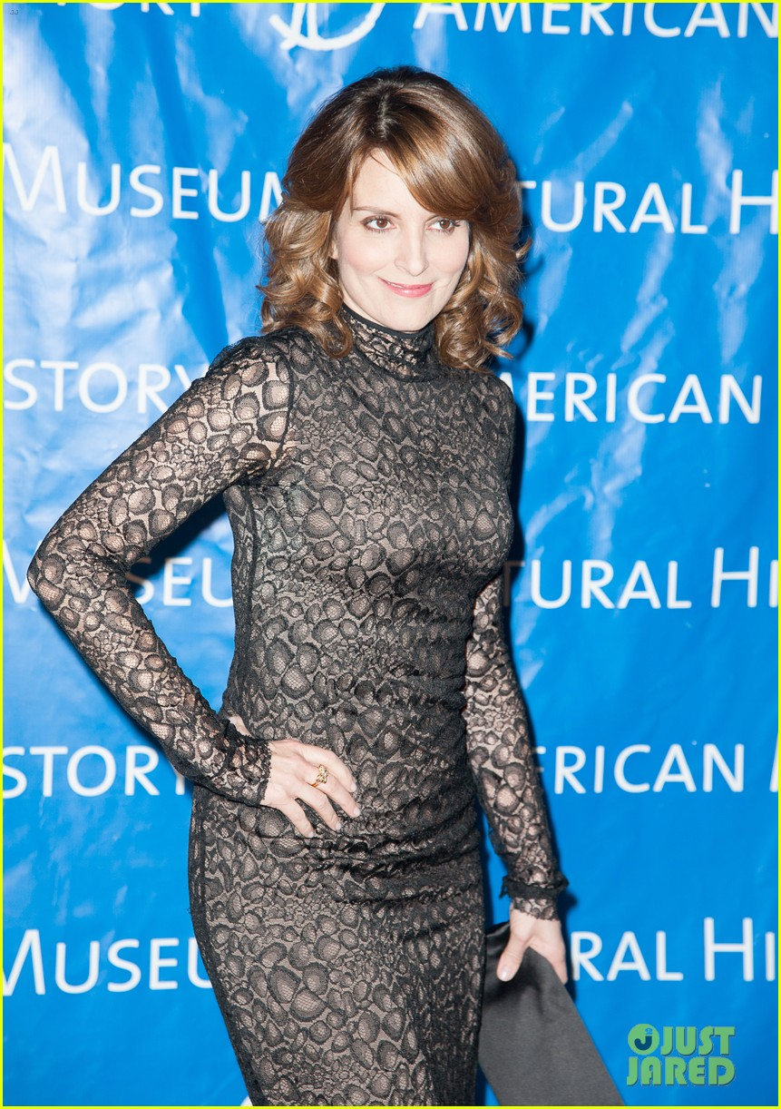 tina fey olivia wilde museum of natural history gala 09