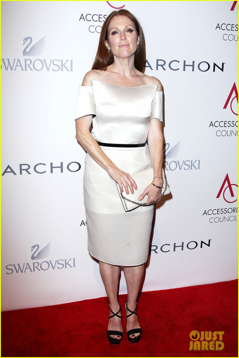 olivia wilde julianne moore ace awards new york city 27