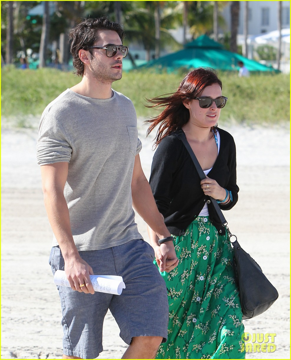 rumer willis jayson blair miami beach besos 06