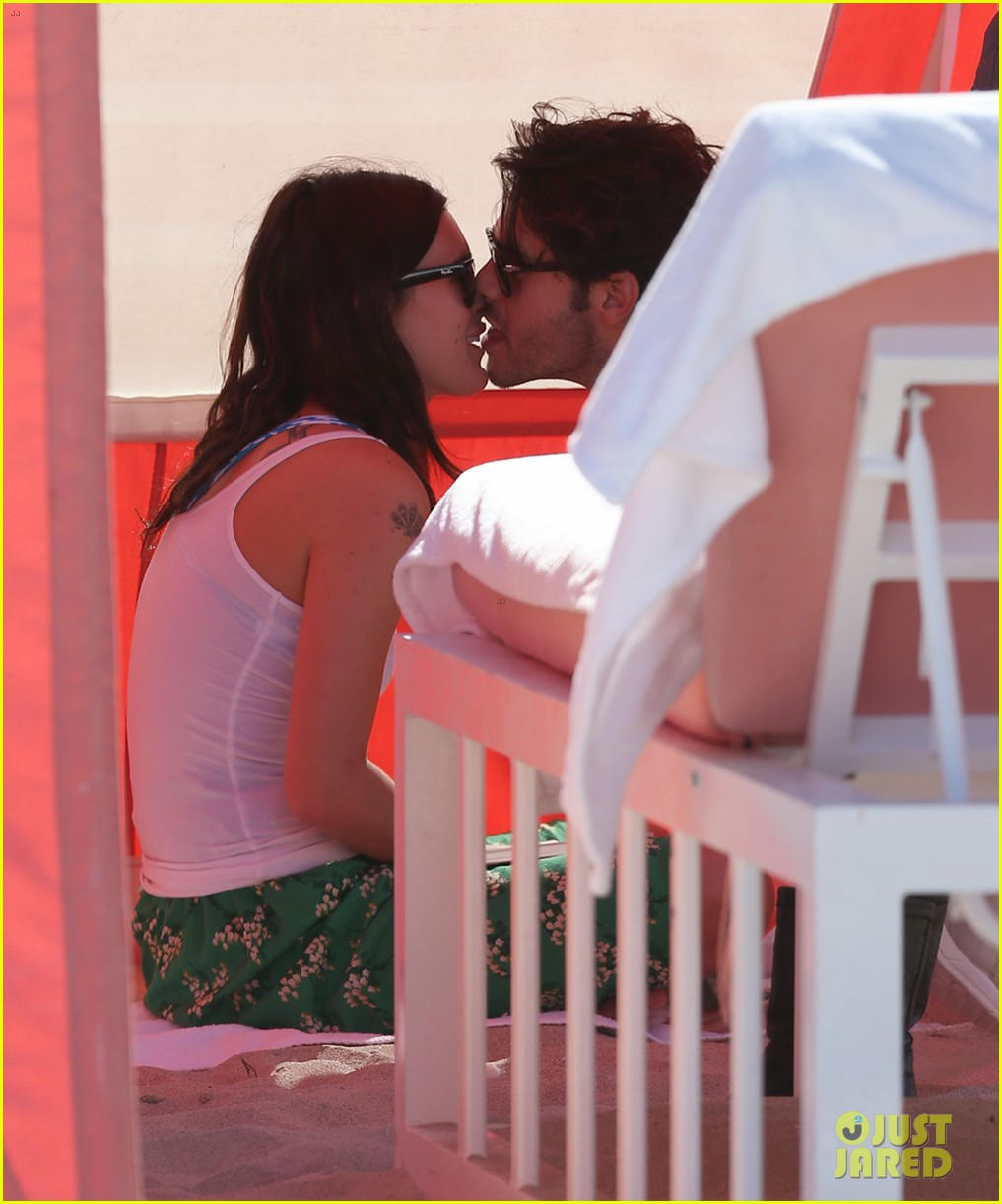 rumer willis jayson blair miami beach besos 16
