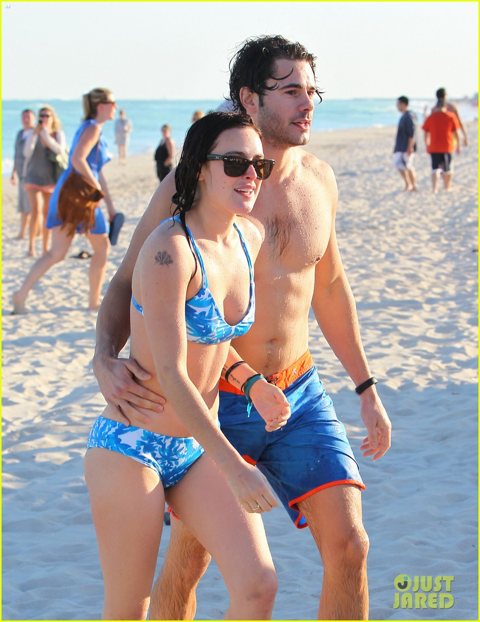 rumer willis jayson blair miami beach besos 34