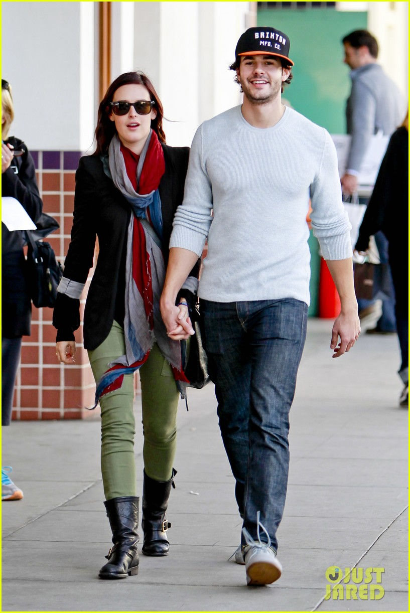 rumer willis jayson blair romantic walk beverly hills 03
