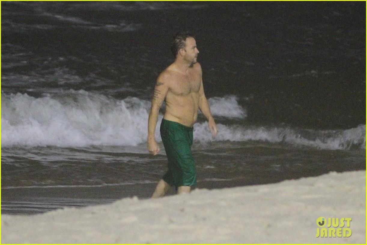 owen wilson stephen dorff shirtless beach buddies 052766628
