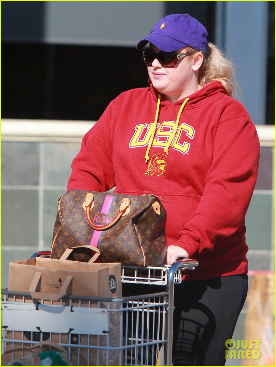 rebel wilson sunday shopaholic 06