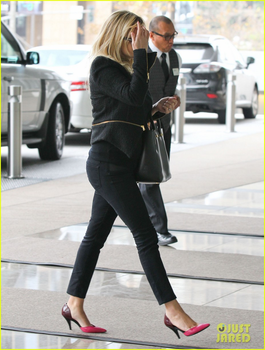 reese witherspoon afternoon business meeting 10
