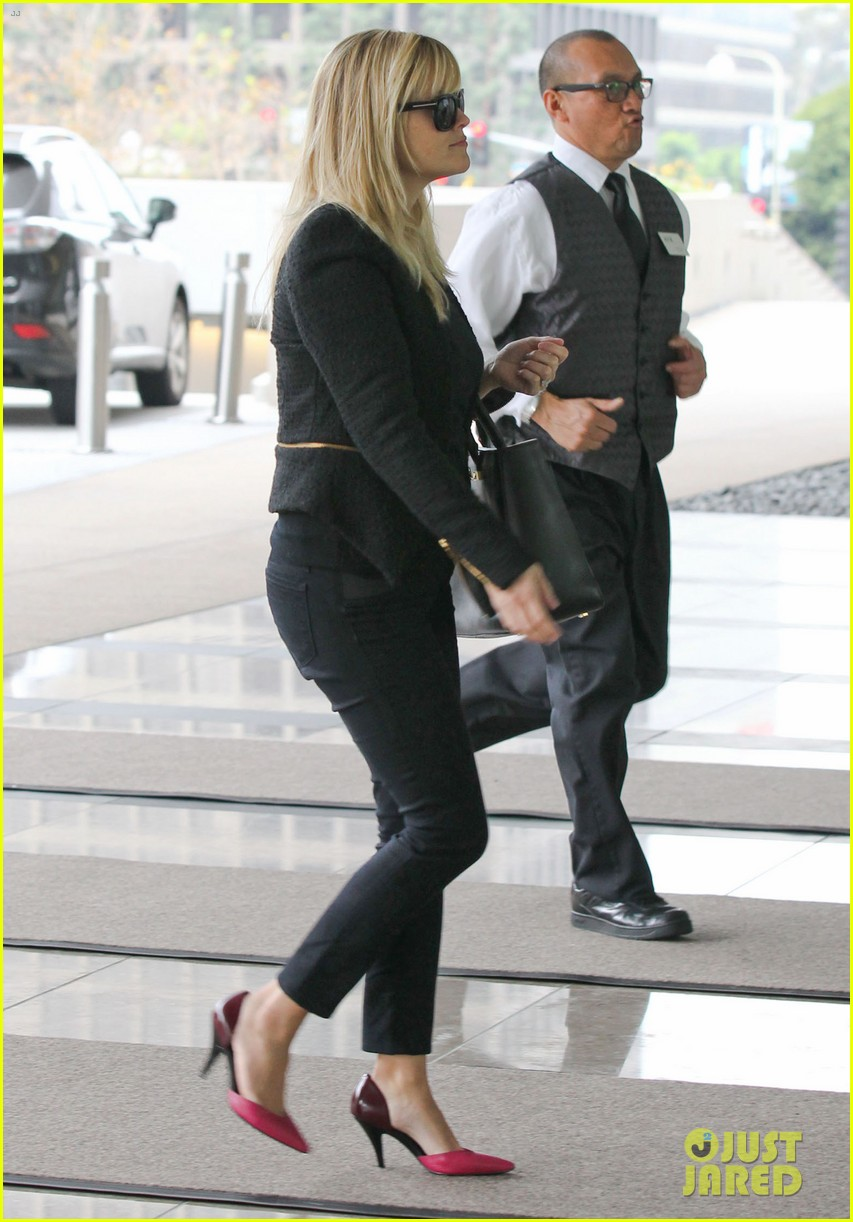 reese witherspoon afternoon business meeting 11