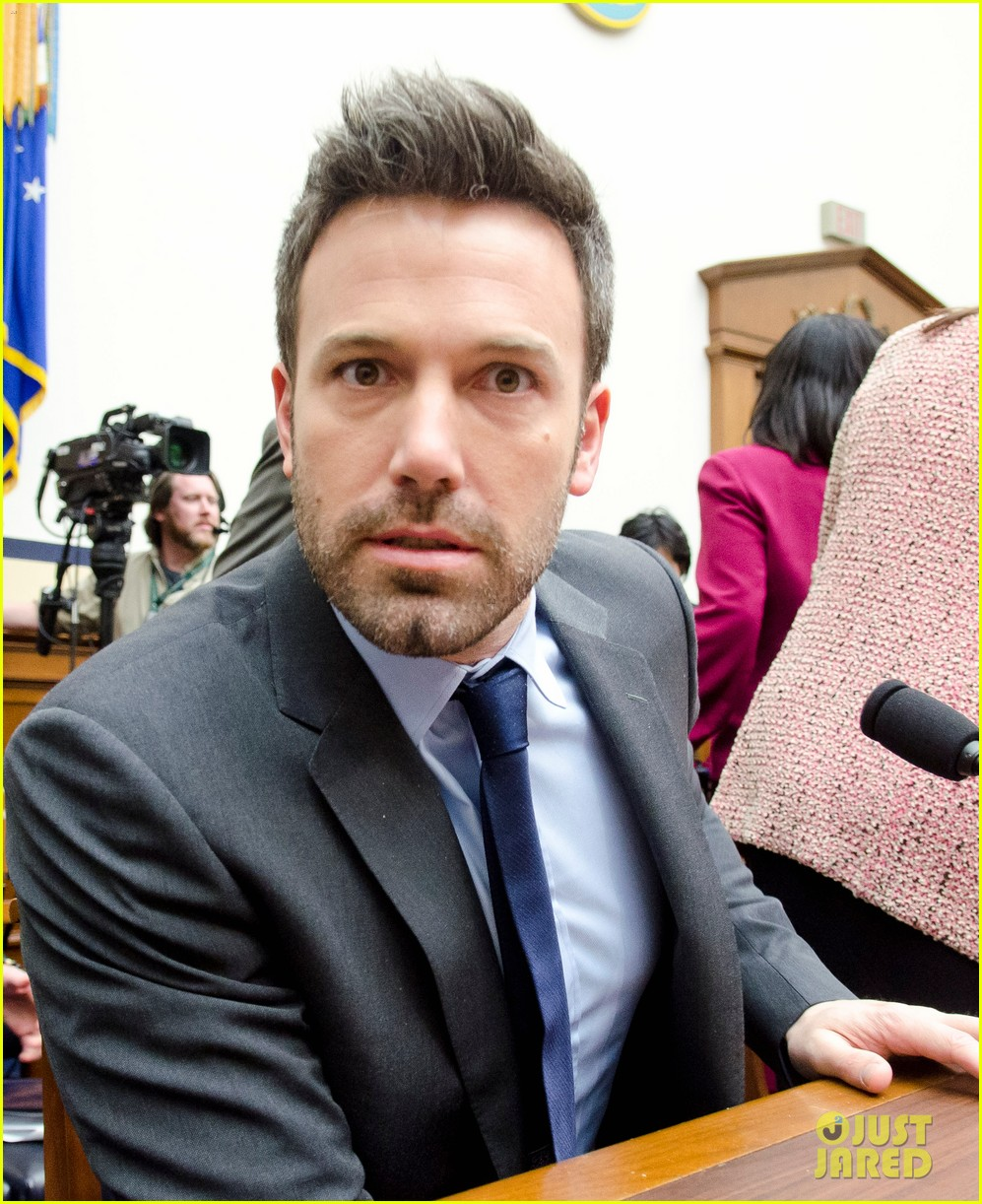 ben affleck drops out of focus with kristen stewart 022778359