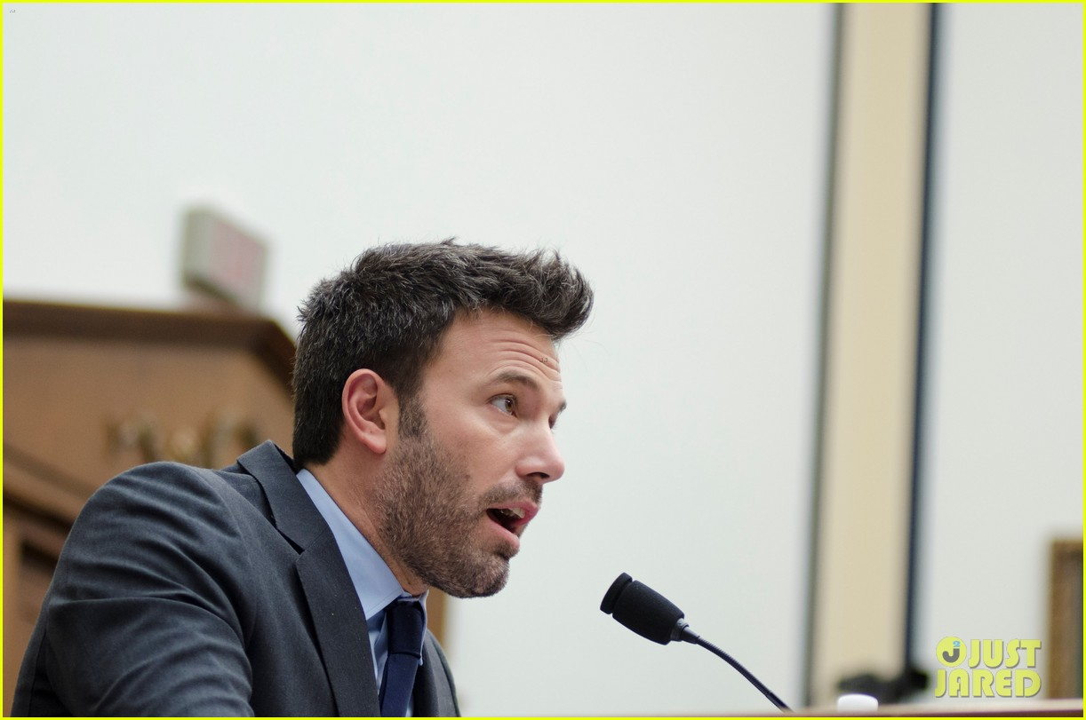 ben affleck drops out of focus with kristen stewart 13