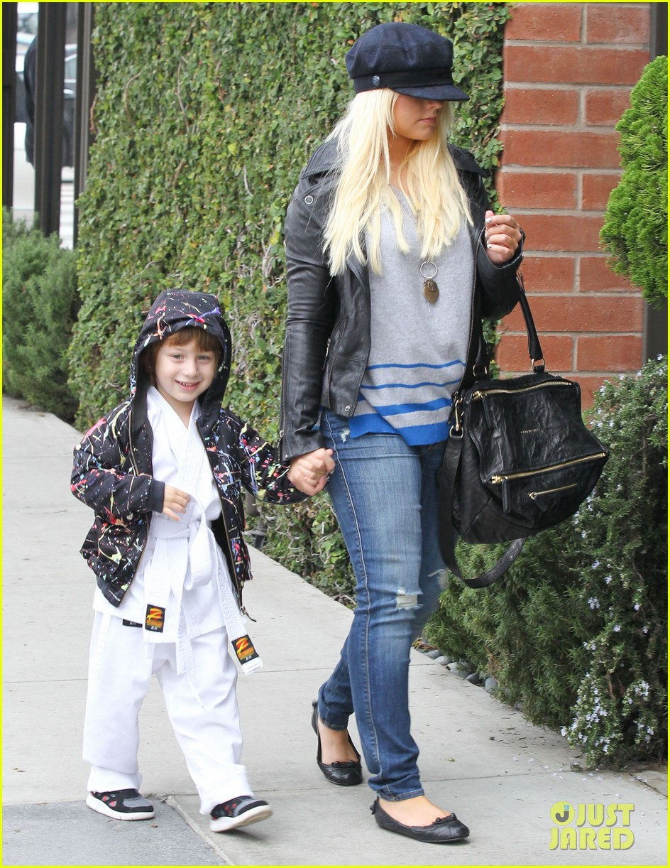 christina aguilera houstons lunch with karate boy max 092772040