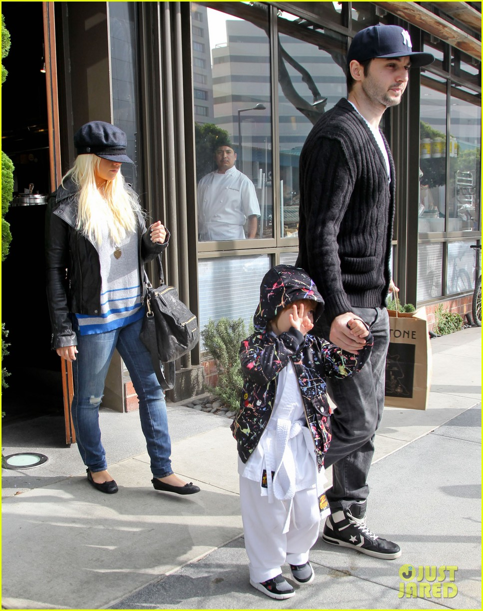 christina aguilera houstons lunch with karate boy max 16