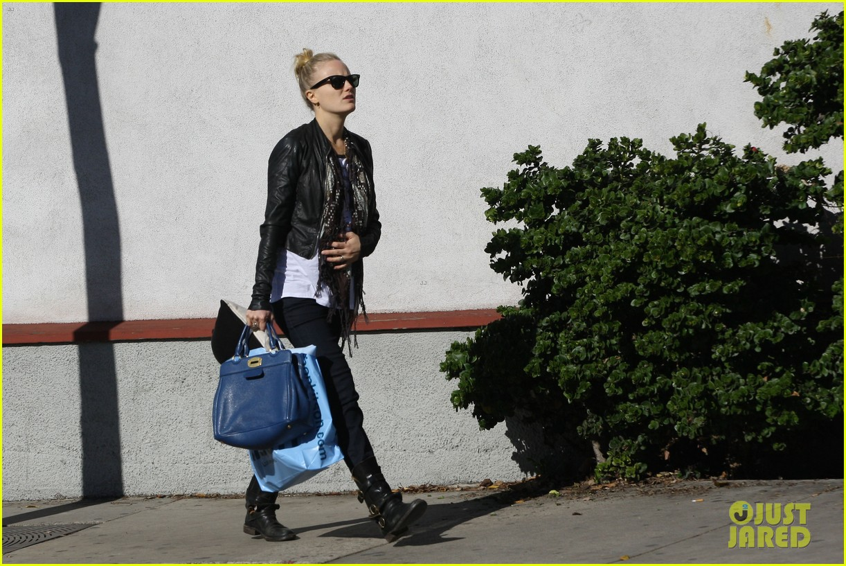 malin akerman shopping lunch 03