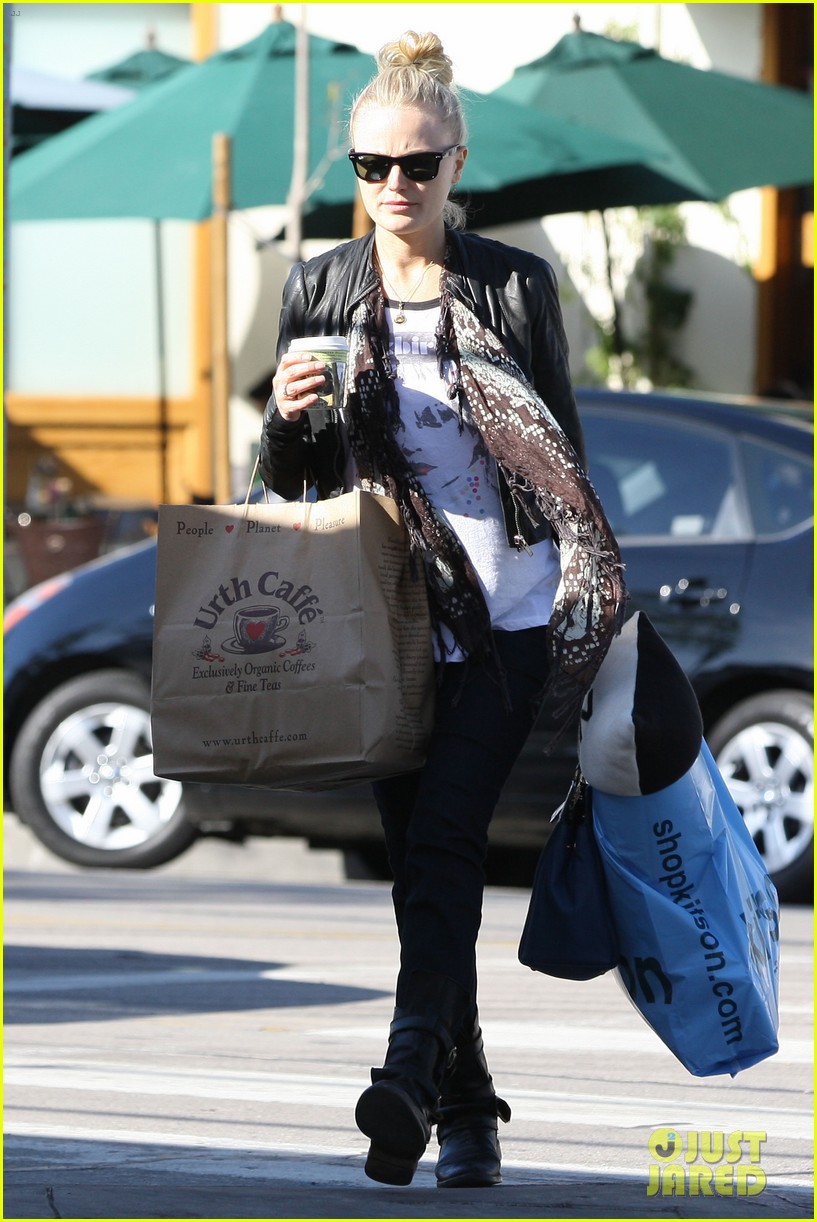 malin akerman shopping lunch 052779432